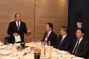 FPT Chairman joins Vietnam PM in breakfast talk with global top company leaders at Davos