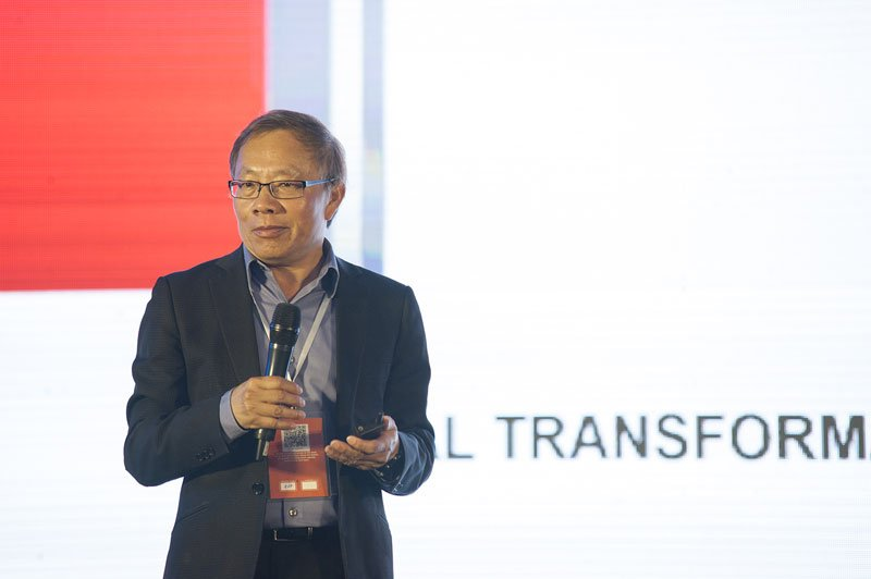 FPT's DX Chief Advisor Phuong Tram at the Global DX Summit 2019